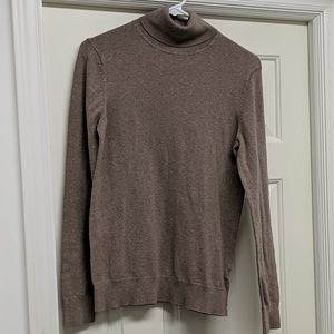 GAP turtleneck sweater Size Medium